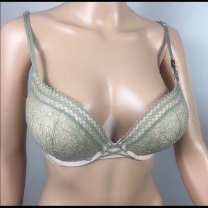 🆕 Victoria's Secret Lace Bombshell Bra